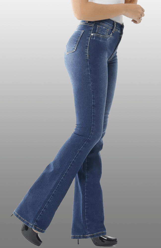 Calça Jeans Feminina  Flare 37cbe603da383