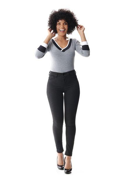 Calça Jeans Feminina Cigarrete Push Up - 256917