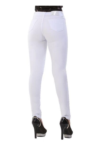 calca-jeans-feminina-hot-pants-branca-metade